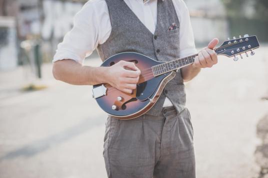 mandolin vs guitar