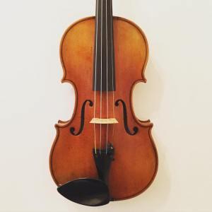 Modern violin labelled Lutherie d'Art