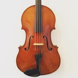 Modern American viola made in the workshops of W.H. Lee