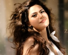 Zareen Khan Age, Height, Biography, Boyfriend, Weight, Family, Photo, Wiki, Hot photos, movie, video