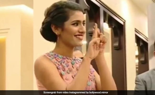 Priya Prakash Varrier, Priya Prakash, Priya Prakash Video, Priya Prakash Instagram, Priya Prakash Movie, Priya Prakash New Photos, Priya Prakash Photos, Priya Prakash Warrier, Priya Prakash hd Video, Priya Prakash Gun lip,