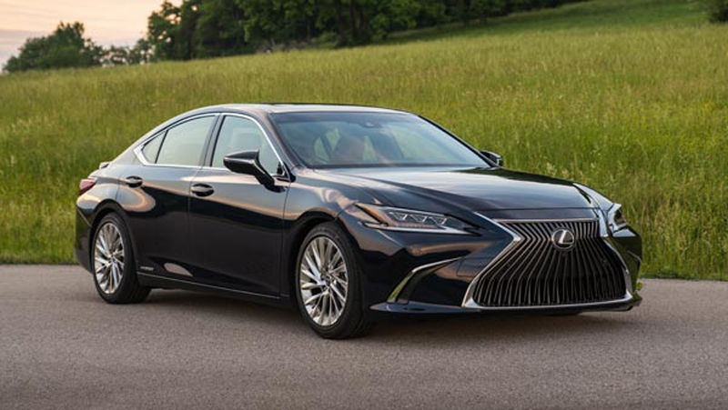Lexus ES 300h | Launch | Review | Images | Mileage | Price | Specification