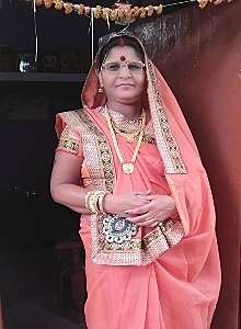 pooja golhani mom, puja golhani mummy, pooja golhani mother, pooja mom, pooja mother,