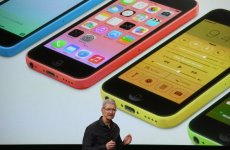 Apple Launches iPhone 5S And $99 iPhone 5C