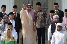 "Saudi King Salman embraces ""selfie"" during his rare tour across Asia"