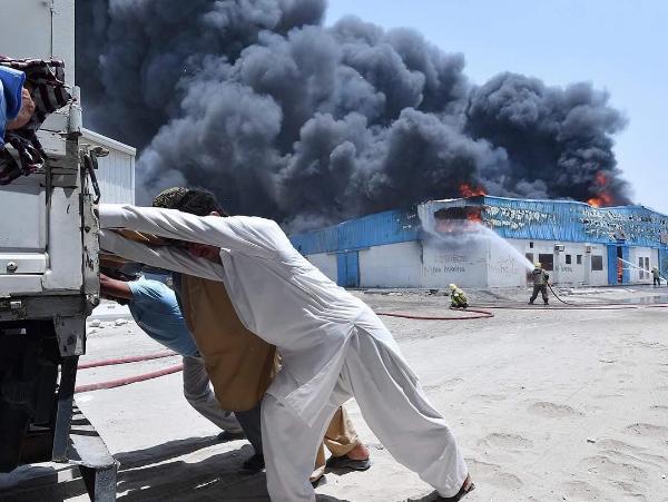 Major fire guts warehouses in Sharjah - Gulf Business