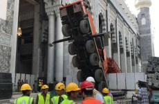 Saudi says winch collapsed at Makkah's Grand Mosque
