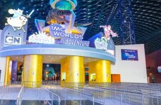 Video: Inside the world's largest indoor theme park in Dubai
