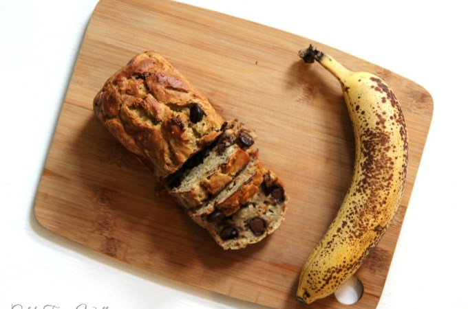 Delicious and Healthy Banana Bread: Kid and Mom approved. A scrumptious decadent healthy banana bread using only clean ingredients. Makes an excellent make ahead breakfast or dessert! Easy to make as a gluten free recipe! #healthybaking #bananabread #healthyrecipe #glutenfreebreakfast #healthybread #healthyrecipe #kidapproved #DIYgift #foodgift #bananas