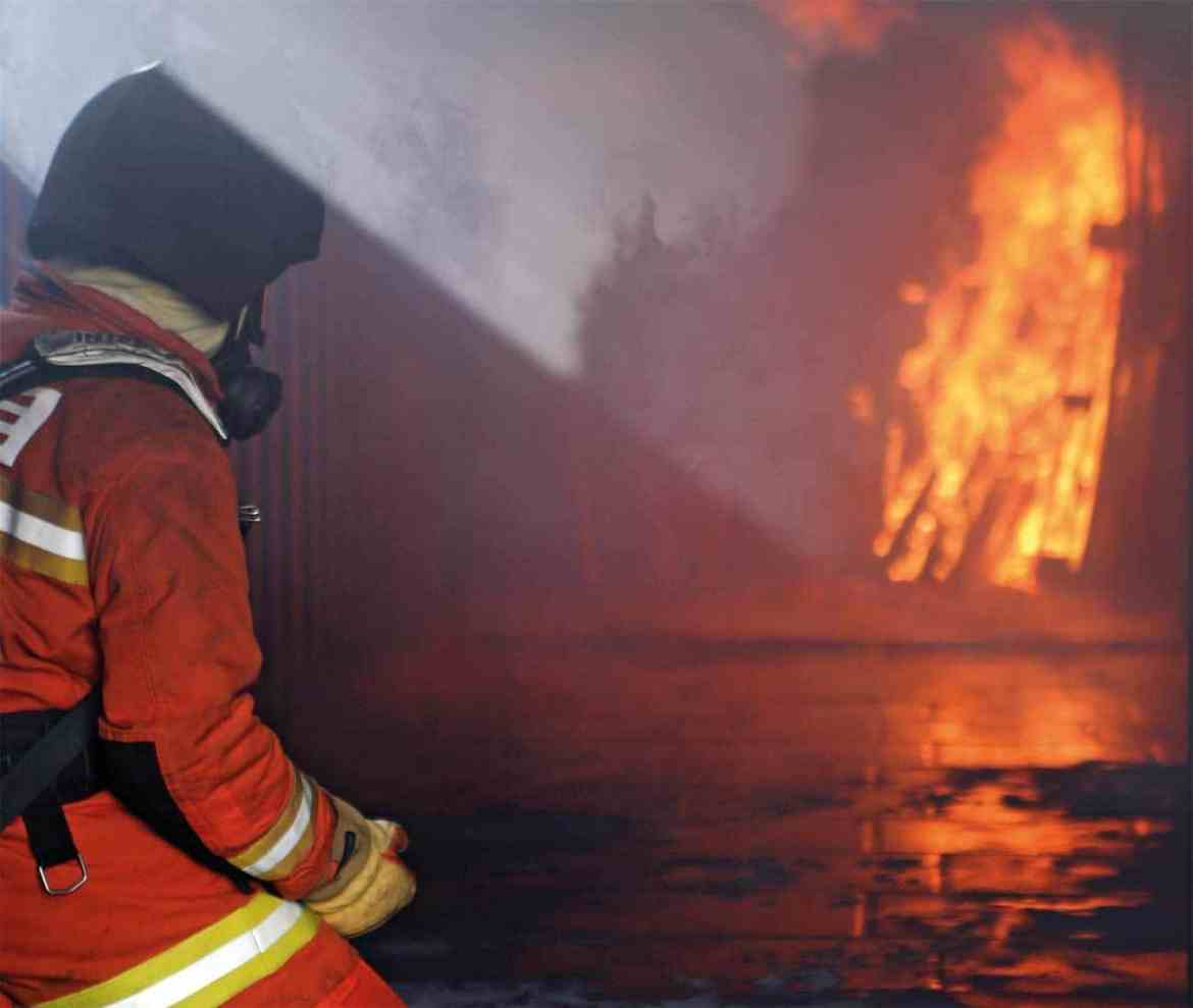Expert knowledge of fire behaviour is invaluable in live fire training.