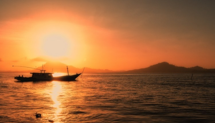 lonely_boat-wallpaper-1280×800