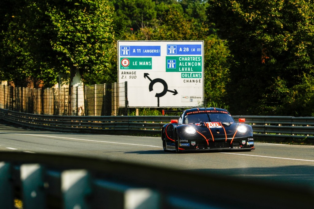 No. 86 on the track at Le Mans 2021