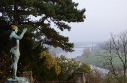 Utsikt över Elbe och bron Blaues Wunder från Schloss Eckberg, Nikkor.
