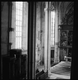Interiör av Stadtpfarrkirche i Mühlbach, ett av de bästa gotiska rummen i Transsylvanien, Planar 80 mm.