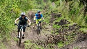 4-day-biking-mindo-cotopaxi-quilotoa-banos