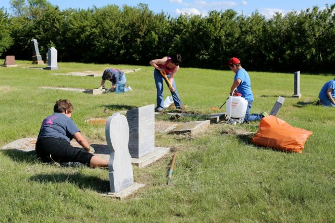 Cemetery Cleanup Week May 4th to 11th GULL LAKE  Gull Lake Cemetery Committee