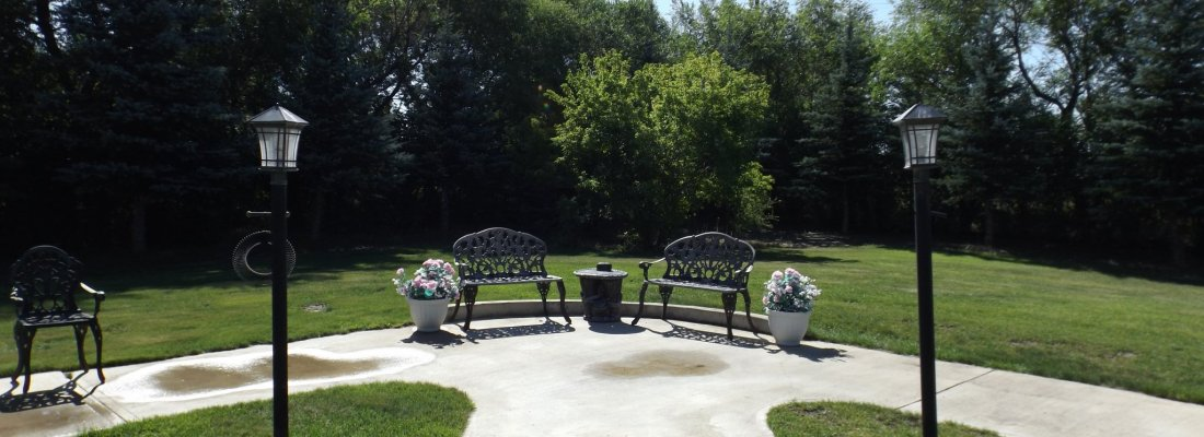 Special Care Centre Auxiliary Yard/Garden Tours GULL LAKE Town Beautification  Gull Lake Special Care Centre Community