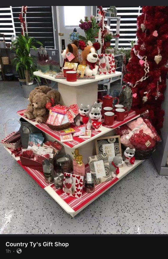 Are you looking for something for that special person in your life , check out Country Ty's Gift Shop Business GULL LAKE SouthWest Saskatchewan  Small Business Events Country Ty's Gift Shop Community