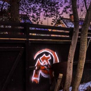 Underbart tyst hot mot södertörns dyraste villor