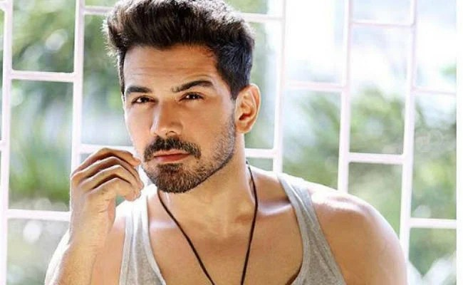 bigg boss 14 know about abhinav shukla marriage with rubina dilaik actor was trolled by people because of this character unknown facts bud | Bigg Boss 14: कौन हैं अभिनव शुक्ला, इस