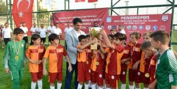 Şehit Öğretmenimiz Necmettin Yılmaz Adına Pendik'de Turnuva Düzenlendi