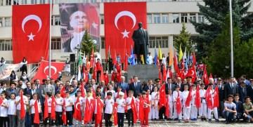 19 Mayıs Atatürk'ü Anma, Gençlik ve Spor Bayramı Gümüşhane'de böyle kutlandı