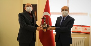 Tarihi Vakıf'tan Gümüşhane Üniversitesi'ne  4 Bin Fidan Bağışı