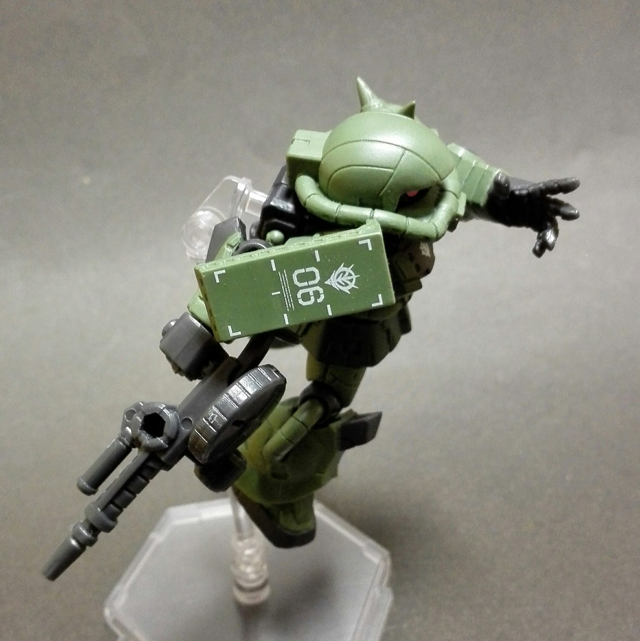mobile suit ensemble(モビルスーツアンサンブル)1.5弾のザク(マーキングプラス)のザク・マシンガンを装備した画像