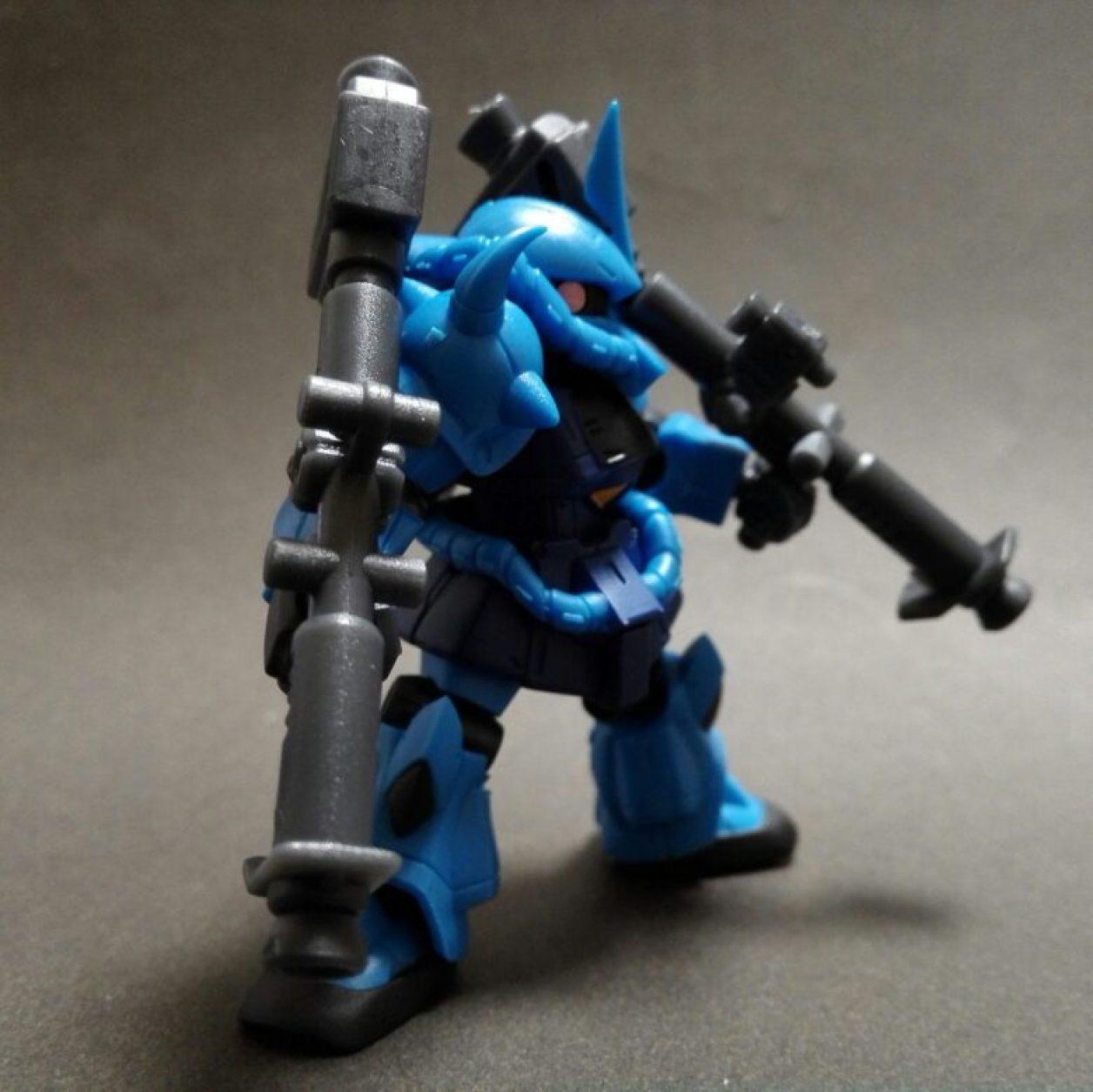 MOBILE SUIT ENSEMBLE 11弾のグフに04弾のジャイアント・バズーカII装備させた画像