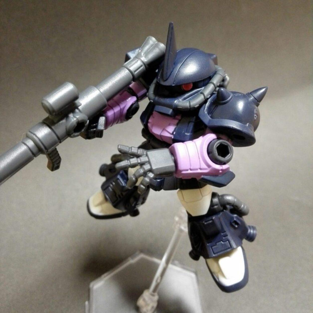 MOBILE SUIT ENSEMBLE(モビルスーツアンサンブル)12弾高機動型ザクIIにMS武器セットのザク・バズーカを装備させた画像