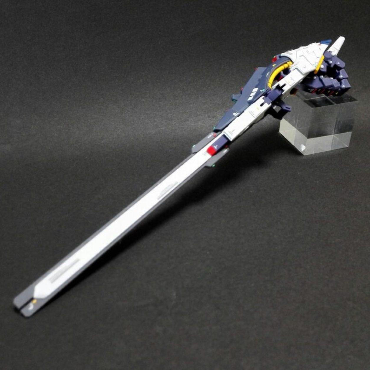 改造、改修してディテールアップしたHGUC ガンダムTR-6[ウーンドウォート](試作機カラー)のコンポジット・シールド・ブースターの画像