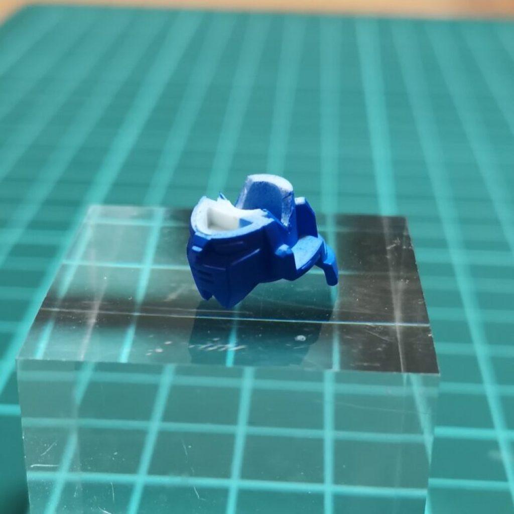 hguc zzガンダムの頭部ユニットを分解してガンダムマーカーエアブラシシステムでブルーに塗装した画像