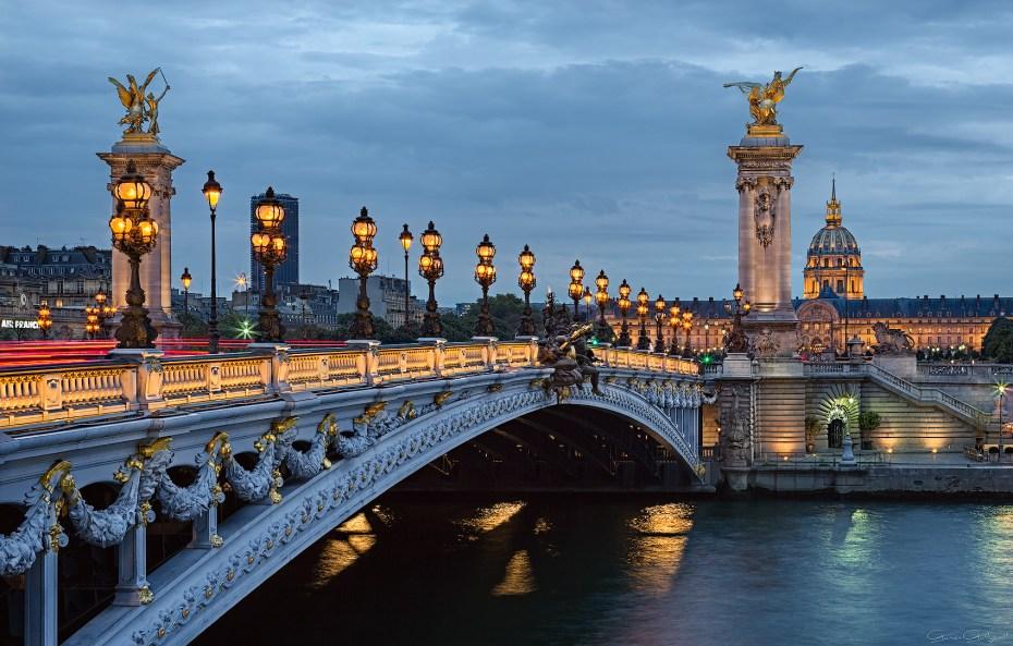 Alexandre III Köprüsü, Paris, Fransa.