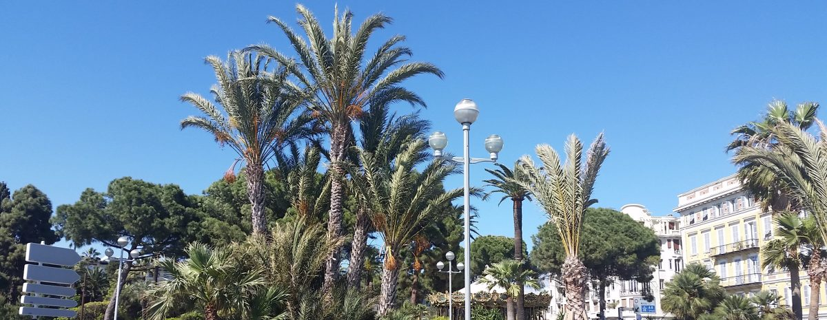 Från en bänk på Le Promenade des Anglais