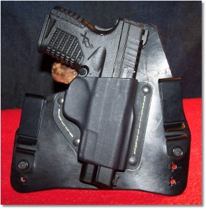 XDs 4.0 45 in an IWB Holster From SHTF Gear