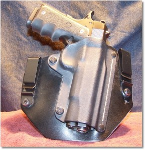 Para-USA Expert Housed in My Favorite Covert IWB Holster - A Black Arch