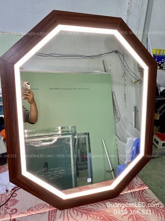 Gương Đèn LED Viền Gỗ Tự Nhiên Cảm Ứng 8 Cạnh