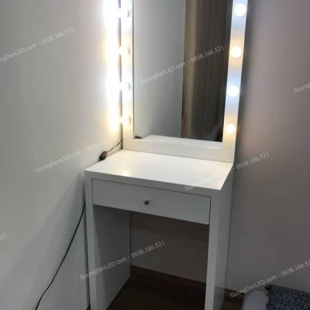 Bàn Trang Điểm Gắn Đèn LED Nhỏ Gọn 60cm
