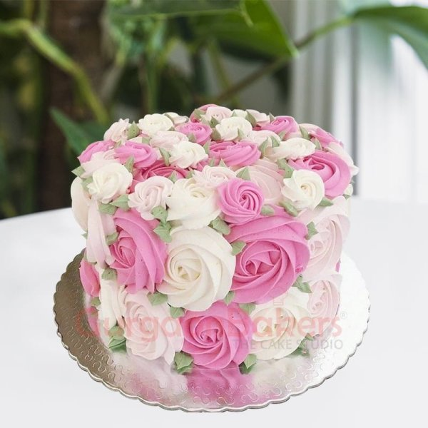 bouquet of roses anniversary cake