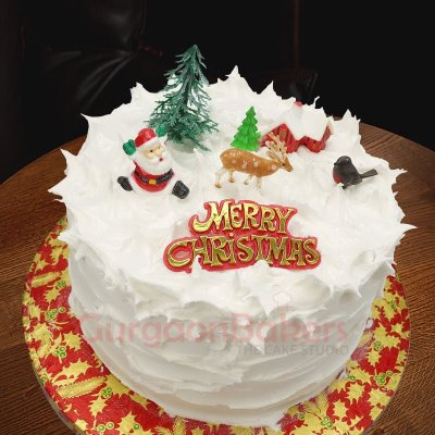 santa and fam christmas cakes