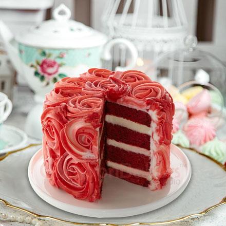 red velvet rose cake1