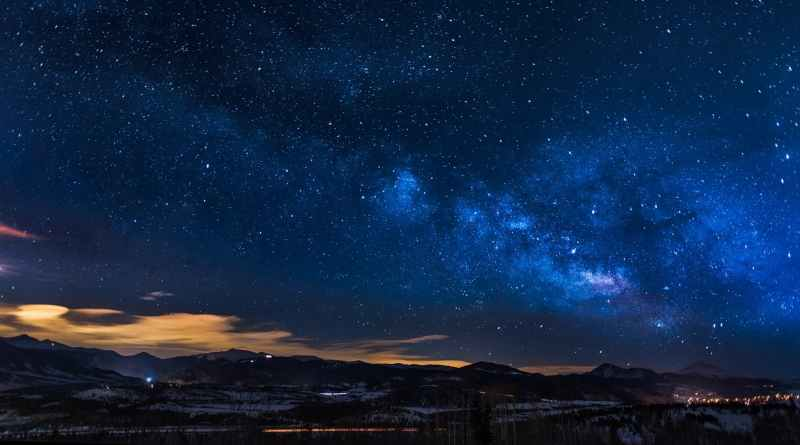 StarDust Omega -Two Astrophysics Women to Repopulate Earth