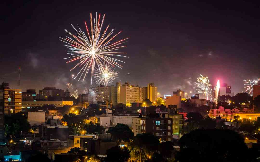Fireworks over Montevideo in New Year - Marcelo Fernandez
