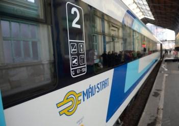 MÁV saját fejlesztésű IC+ vasútikocsi-prototípusainak bemutatója a budapesti Nyugati pályaudvaron 2014. március 5-én. MTI Fotó: Kovács Tamás