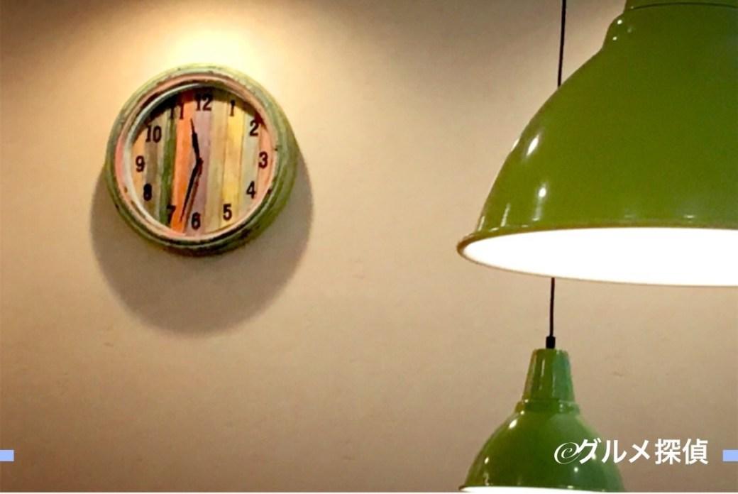 【グルメ探偵】※画像4 店内の時計
