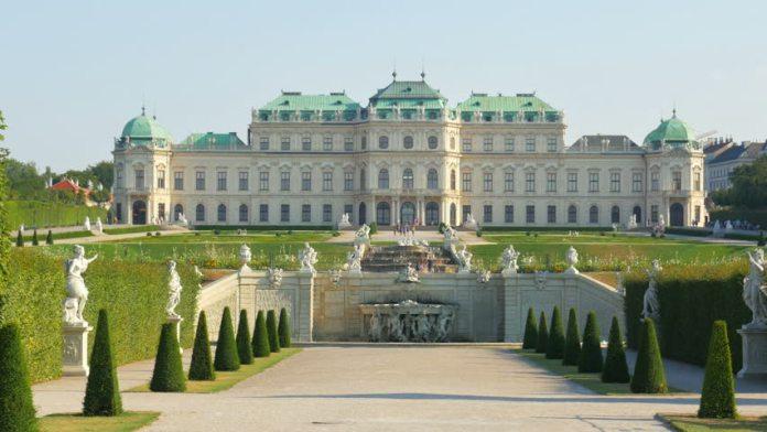 Shunburnet Palace, Vienna, Austria