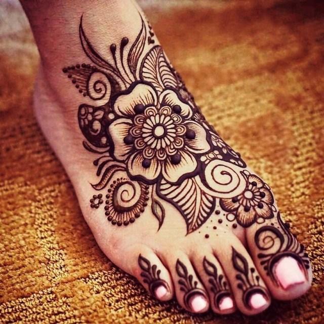 simple arabic mehndi designs for foot