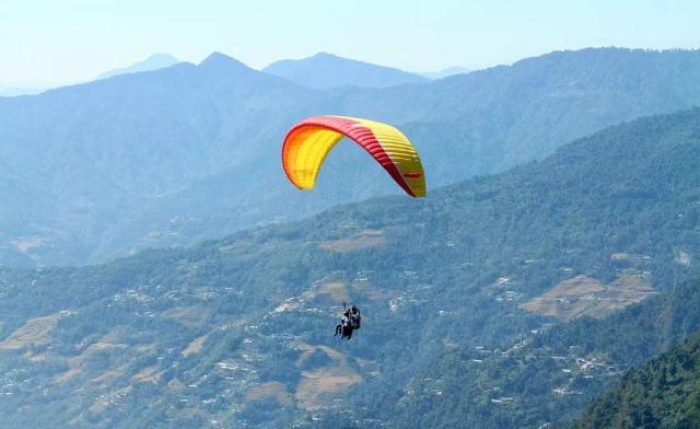 Paragliding-destination-sikkim-india-adventure-sports