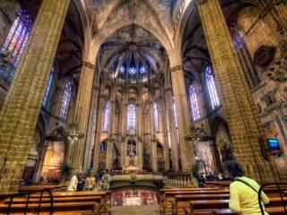 Кафедральный собор — одна из главных достопримечательностей Барселоны