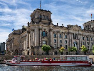 Рейхстаг — молчаливый свидетель истории Берлина